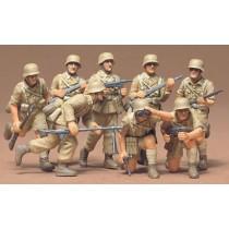 Afrika Korps figures x 8