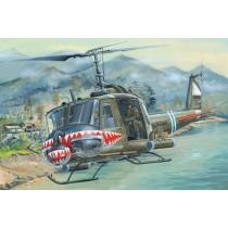 UH-1 Huey B skala 1/18