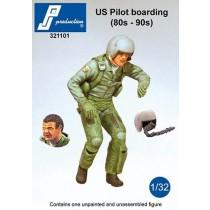US modern pilot, boarding, 2 heads, extra helmet.