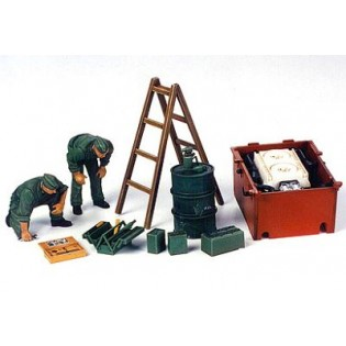 German engine maintenance crew