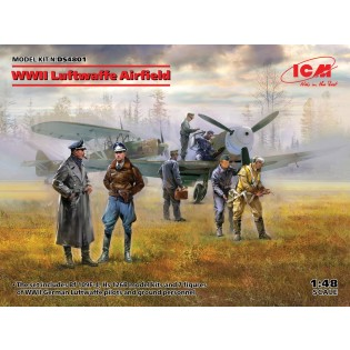 Luftwaffe Airfield 2 aircraft + 7 figures