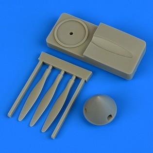 SAAB J21A-3 propeller w. tool  (PIL REP)