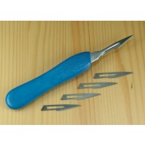 Plastic scalpel handle w. 5 x #10 blades