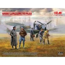Luftwaffe Airfield 2 aircraft + 7 figures